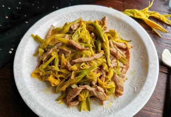 夏季吃新鲜黄花菜,这些小常识要知道,吃出营养,吃的健康