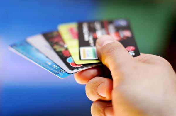 信用卡进入黑屋后要怎么办?想要破解必须要另辟蹊径!