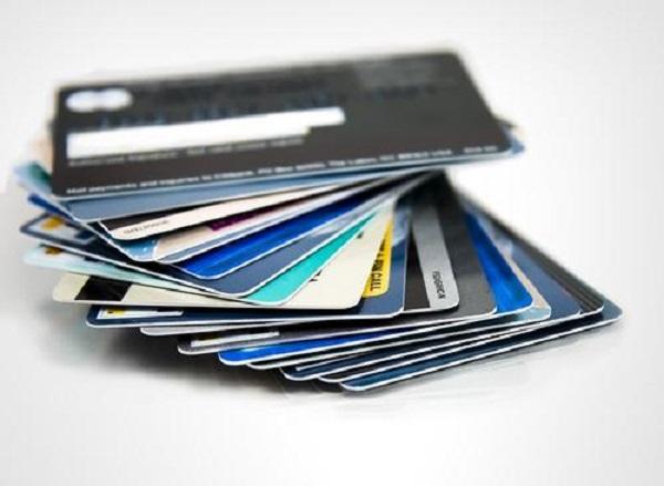 信用卡逾期还款后还能用吗?只逾期一天的不用担心!