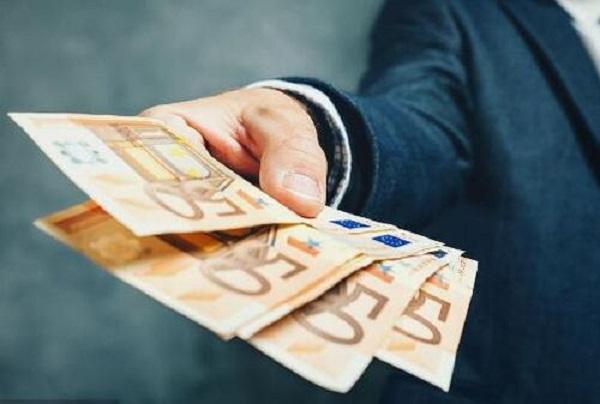 如果征信比较差还能申请贷款吗?具体要怎么办理贷款呢?