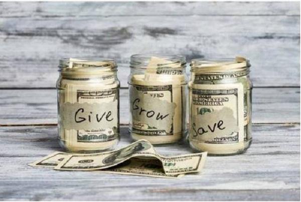 小额度借钱app哪个好门槛低?可以分期还款的你肯定不会拒绝!