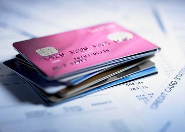 哪个银行信用卡通过率高?选对卡种很重要!
